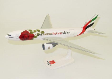 "Emirates SkyCargo B777F A6-EFL ""Valentine Rose"" 1:200 PPC"