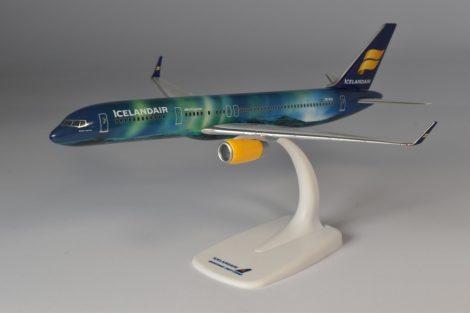"Icelandair B757-200 TF-FIU ""Hekla Aurora"" 1:200 Herpa"