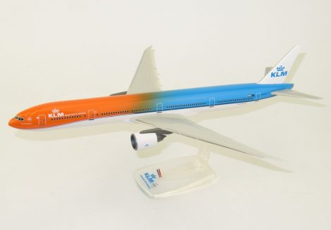 "KLM B777-300ER PH-BVA ""Orange Pride"" 1:200 PPC"